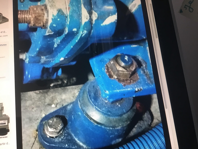 Silents bloc pour moteur Perkins 4108 1982
