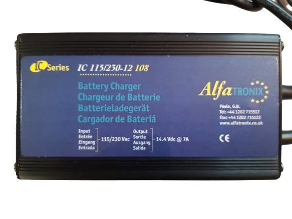 Chargeur 12V 7A 1 sortie IP67